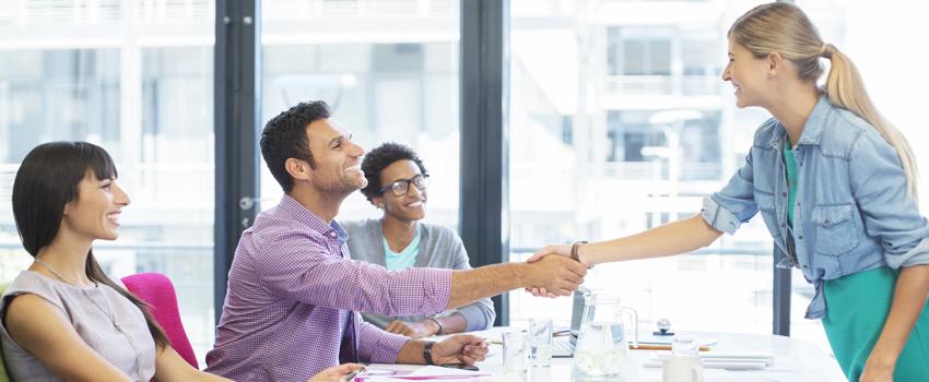 10 Consejos infalibles para superar una entrevista de trabajo en inglés 850x350